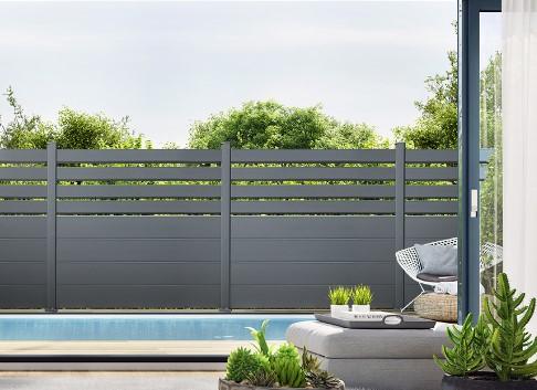 Un clôture design qui se fond parfaitement dans votre jardin !
